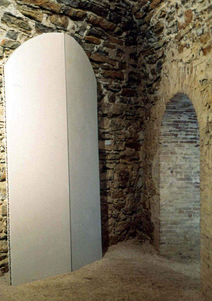 Sans titre - 1996 –Raille de placoplatre, plâtre. 210 x 120 x 8 cm. Denis Falgoux