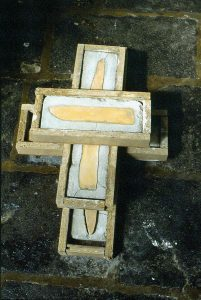 L'unique trait de pinceau - 1991 - Bois, ciment, cire. 30 x 40 x 20 cm. Denis Falgoux