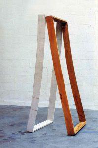 Sculpture bandée - 1998 – Bois, tarlatane. 200x100x80 cm. Denis Falgoux