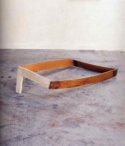 Sculpture bandée - 1998 – Bois, tarlatane. 120x180x40 cm. Denis Falgoux